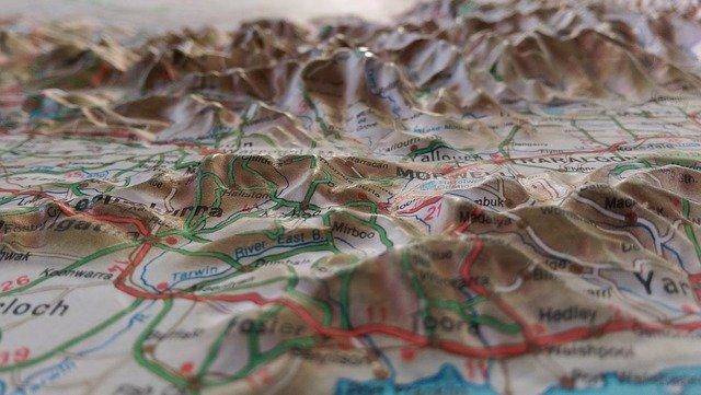 Die Geschichte der Kartographie forschend erlernen. Präsentation einer virtuellen Forschungsumgebung